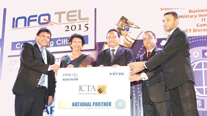 The Information and Communication Technology Agency of Sri Lanka (ICTA), making a token presentation as the National Partner of INFOTEL–2015. From Left to Right:  Chithragani Mubarak, Chairperson, ICTA, Muhunthan Canagey, CEO, ICTA, Chinthaka Wijewickrama, Chairman, FITIS, Derrick Ferdinandus, Chairman, Infotel 2015 Organizing Committee and Naleem Farook, Head of Sponsor Management Committee.