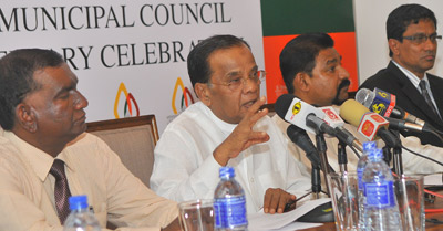Colombo Mayor A.J.M. Muzammil addressing the media at the Mayor's residence yesterday.  Pic by Rukmal Gamage