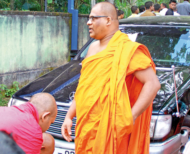 Ven. Galagoda Atte Gnanasara Thera at the Homagama Magistrate Court. Picture by Samantha Weerasiri