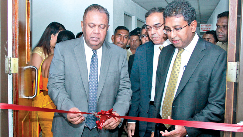 Foreign Affairs Minister Mangala Samaraweera and Deputy Minister, Dr. Harsha de Silva opening the new Consular Affairs Division