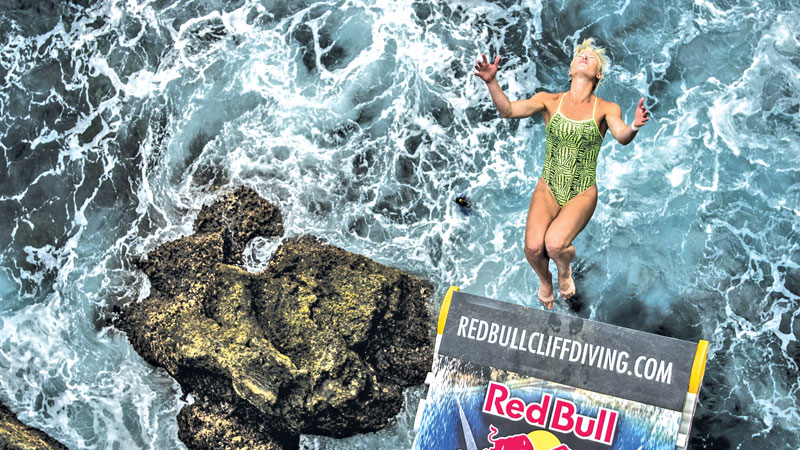 Prelude to red bull cliff diving world series 2017 the fear never leaves you daily news - Red bull high dive ...