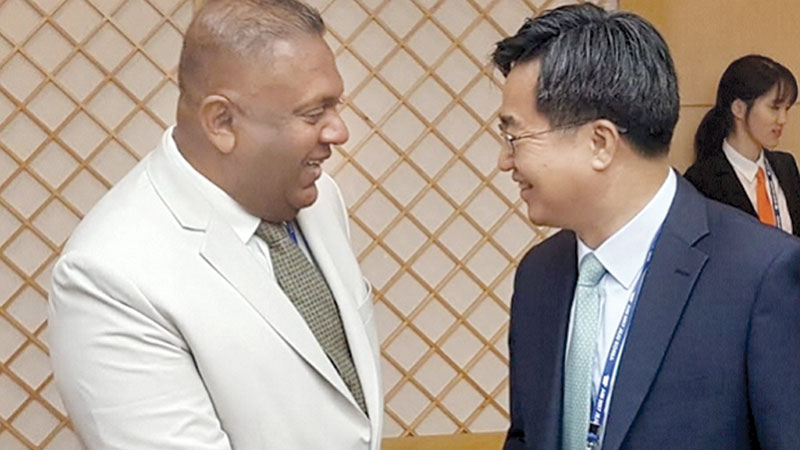 Finance Minister Mangala Samaraweera with Deputy Prime Minister and Minister of Strategy and Finance of the Republic of Korea, Kim Dong-yeon, in South Korea.