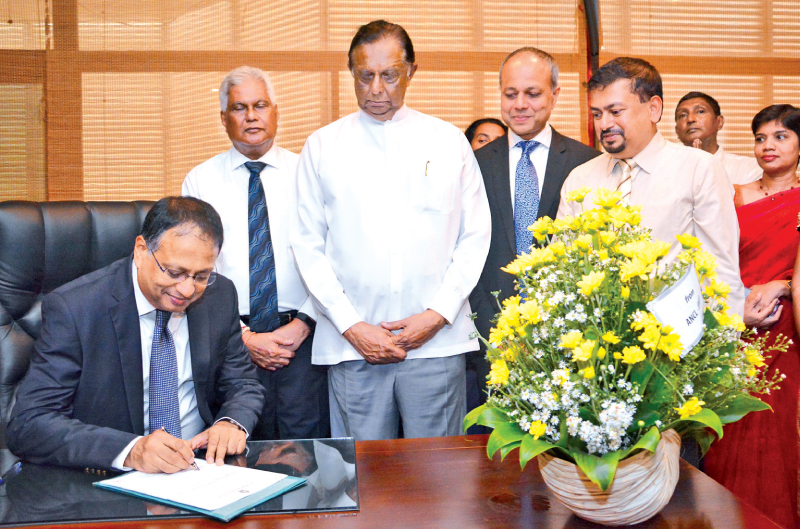The new Chairman of  Sri Lanka Tourism Development Authority (SLTDA) Kavan Ratnayake assumed duties yesterday at the Ministry of Tourism. He succeeds Padday Vithana who is now at the Prime Minister's office. Ratnayake said that he will do his best to help Sri Lanka achieve tourism targets without any political favoritism. Ratnayake was the former Chairman of the Associated Newspapers of Ceylon Limited (Lake House) and was also the Country General Manager of IBM, Chief Executive Officer of Dialog Broadband a