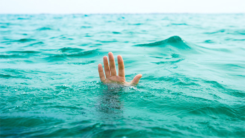 Inebriated A/L students drown when boat capsizes