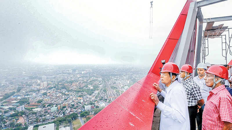 President inspects Lotus Tower construction