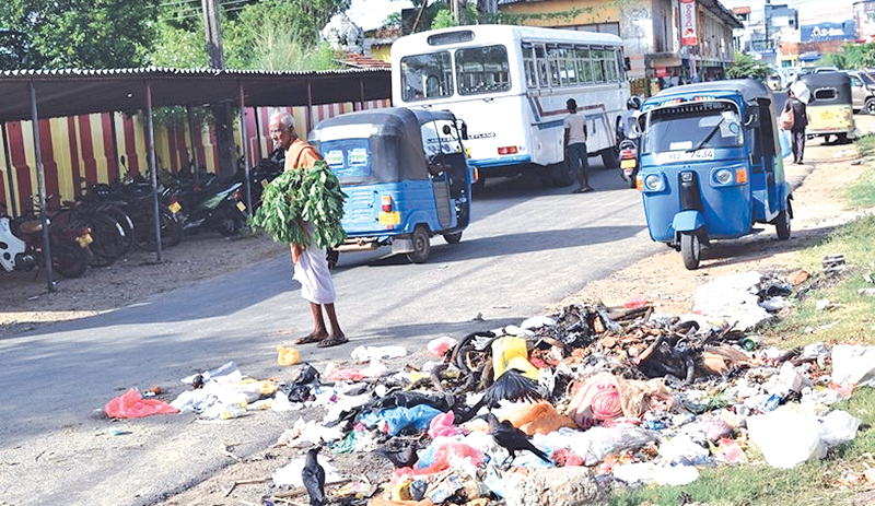 garbage issue unresolved in batticaloa daily news