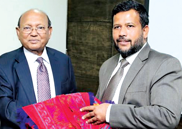 Minister Rishad Bathiudeen meets Bangladesh Commerce Minister Tofail Ahmed in Colombo