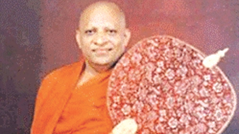 Malwatte Mahanayake tells Dinesh : PRESIDENT, PM's ASSURANCES ON CONSTITUTION SUFFICIENT
