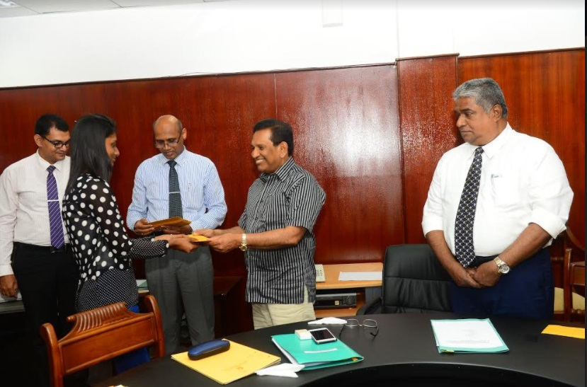 Indian scholarships granted to ten Sri Lankan medical students