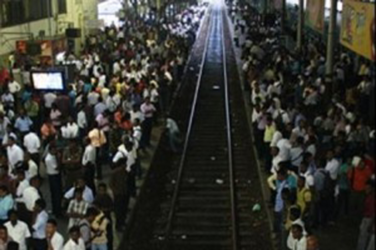 Railway Unions to continue strike after meeting with Transport Minister