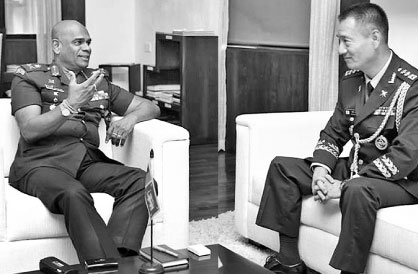 Army Commander, Lieutenant General Mahesh Senanayake and Defence Attaché of India-based Embassy of the Republic of Korea Colonel In Lee were in discussion on November 15 at the Army Headquarters.