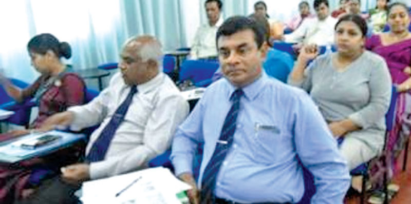 Senior police officers, senior management from the Ministry of Environment and Disaster Management and from the Technical College, Maradana at the seminar