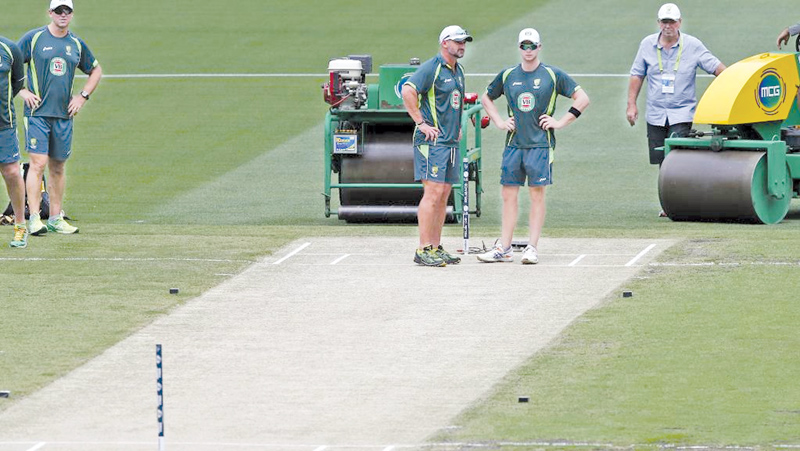 The MCG 'drop in' pitch used for the fourth Ashes Test between England and Australia has been rated as 'poor' by ICC match referee Ranjan Madugalle.
