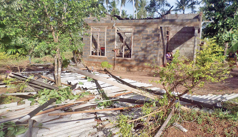 The damage caused by the gale force winds in Divulapitiya area. Picture by Kotadeniyawa Group Corr.