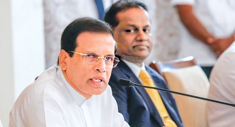 President Maithripala Sirisena meeting media heads yesterday. Picture by President's Media Division