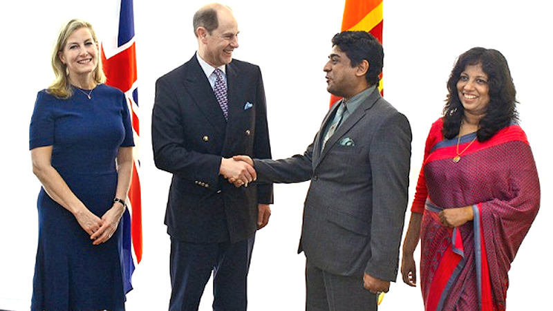 The Earl of Wessex, Prince Edward and Countess Sophie Rhys-Jones arrived in Sri Lanka to participate in the 70th Independence Day celebrations to be held next Sunday. Prince Edward will be the chief guest. They were welcomed at the Airport by State Foreign Affairs Minister Wasantha Senanayake and Mrs. Senanayake.