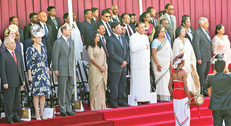The 70th Independence Day was celebrated with the attendance of the Earl of Wessex, Prince Edward and Countess of Wessex, Sophie as chief guests. They stood together with Chief Justice Priyasath Dep and his wife, Speaker Karu Jayasuriya, former President Chandrika Bandaranaike Kumaratunga, Prof. Maithree Wickramasinghe, Prime Minister Ranil Wickremesinghe and First Lady Jayanthi Sirisena to watch the celebrations at the Galle Face Green yesterday. Pictures by Rukmal Gamage