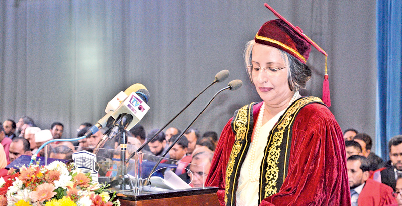 Professor Maithree Wickramasinghe speaking  at the South Eastern University Convocation.