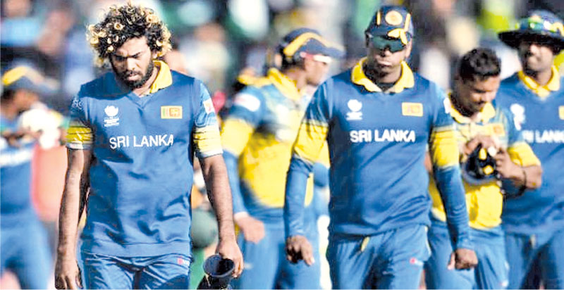 A despondent Sri Lanka ODI cricket team.