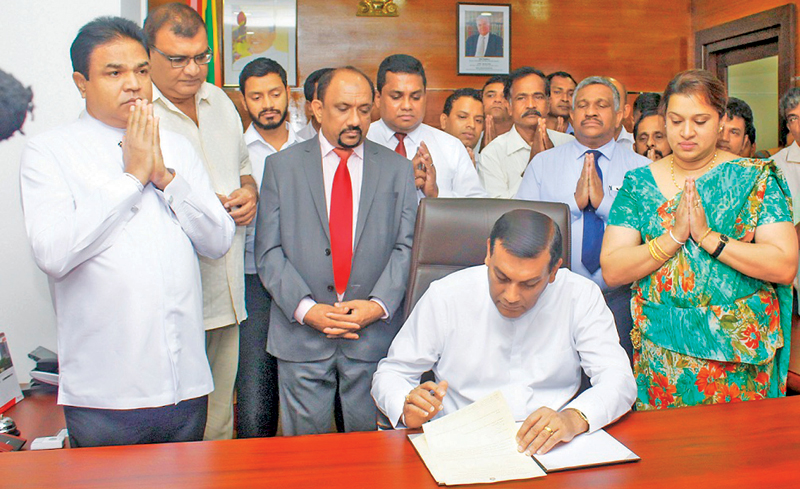 Agriculture, Irrigation and Rural Economic Affairs State Minister Wasantha Aluvihare assuming duties.