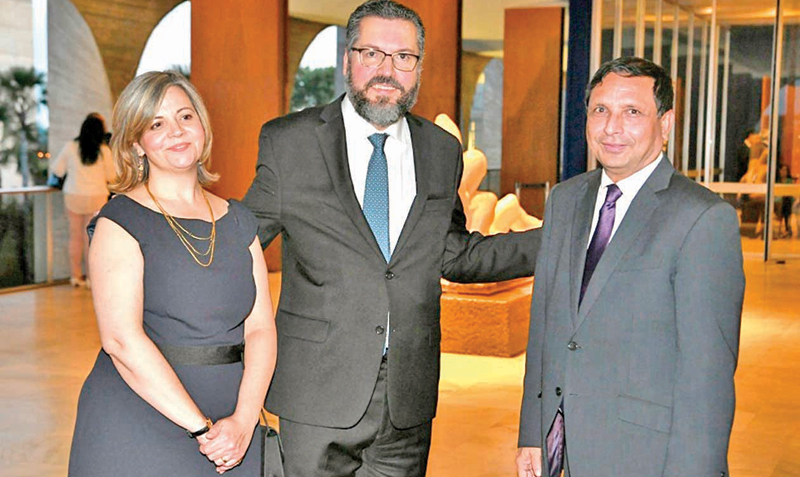 Ambassador to Brazil M. M. Jaffeer with  Foreign Minister Ernesto Henrique Fraga Araújo and representative.