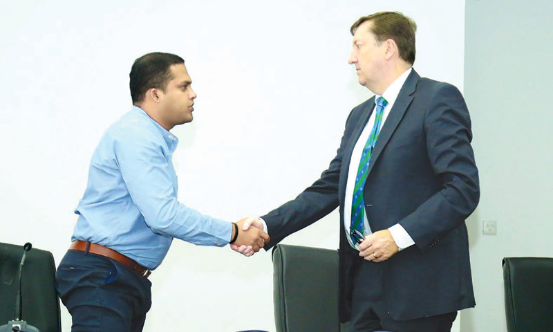 Ministry of Telecommunication, Foreign Employment and Sports Harin Fernando welcomed ICC anti-corruption Unit's coordinator of investigations, Steve Richardson.