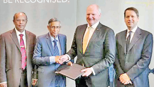 H.M. Hennayake Bandara Vice President, CMA, Prof. Lakshman R. Watawala President, CMA, Peter Wilson President and Chairman, Board of CPA and Andrew Hunter CEO, CPA Australia.