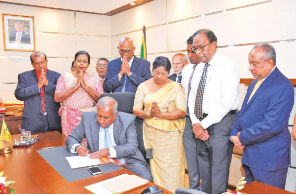 Jayaraja Chandrasekera  assumes duties as Chairman of NSB