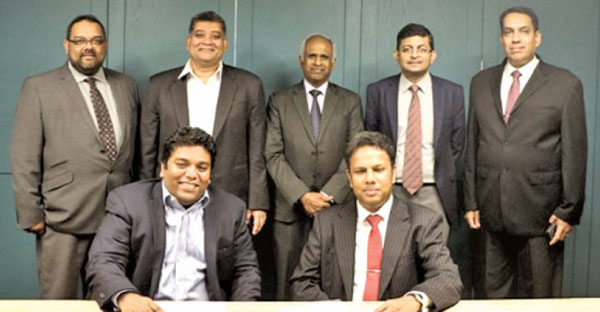Seated: SLASSCOM Chairman Jeevan Gnanam, Horizon Campus Chairman Upul Daranagama, Standing: Horizon Campus Chief Executive Officer Ajitha Wanasinghe, SLASSCOM Vice Chairman Channa Manoharan, Horizon Campus Vice Chancellor Prof. S.J.B.A. Jayasekera, SLASSCOM Executive Director Chrishan de Mel, Horizon Campus Deputy Vice Chancellor Dr. Ruwan Perera