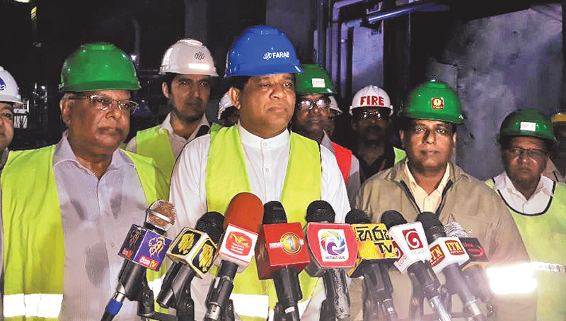 State Minister Ajith Mannapperuma speaks to the media during the field visit.