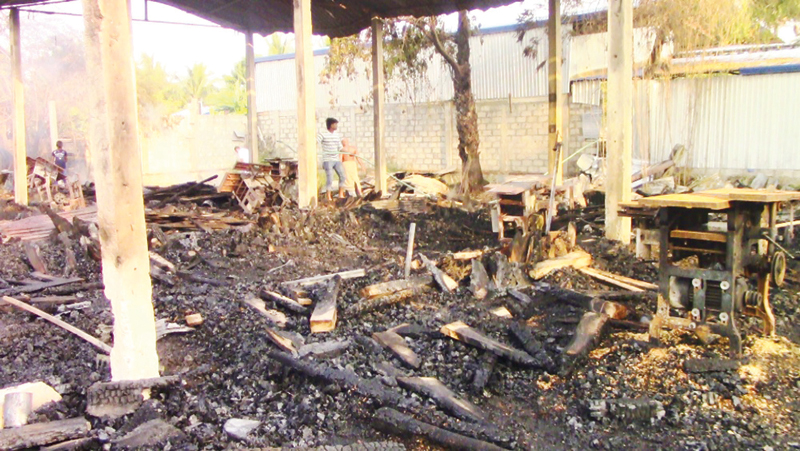 The timber mill was destroyed by the fire. Picture by Sivam Packiyanathan, Batticaloa Spl. Corr.