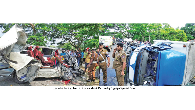 The vehicles involved in the accident. Picture by Sigiriya Special Corr.