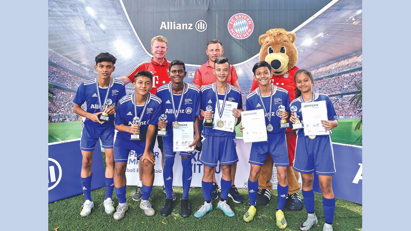 The six football players from Asia who were selected for the Munich camp which will be held in August.