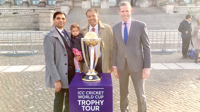 Lal (uchchi) Wijesinghe with the ICC World Cup in Germany