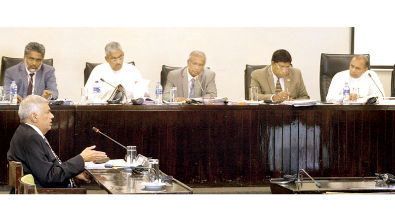 Prime Minister Ranil Wickremesinghe giving evidence before the Parliamentary Select Committee (PSC) probing the Easter Sunday Attacks. Picture by Hirantha Gunathillake