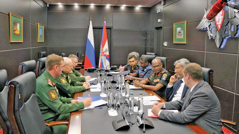 The Sri Lankan army delegation at the meeting with its Russian counterpart.