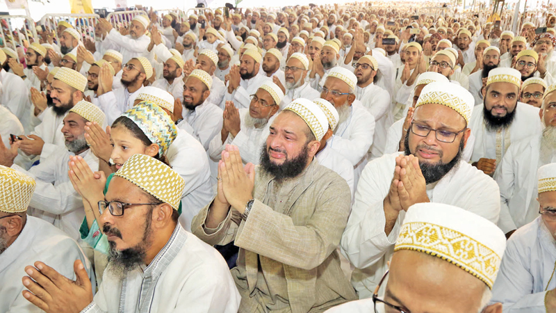 Dawoodi Bohras pray at the conference. Picture by Sulochana Gamage