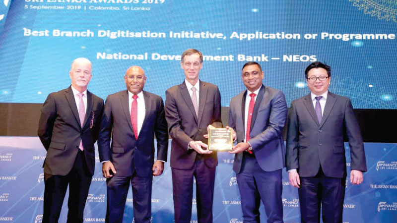 Dimantha Seneviratne (Director/Group CEO, NDB and Chairman of SLBA), Thomas McMahon (CEO, Dillon Gage Asia; former CEO and Managing Director, Singapore Mercantile Exchange), Richard Hartung (International Resource Director, The Asian Banker), Zeyan Hameed (Assistant Vice President  - Personal Financial Solutions & Card Center, NDB), Foo Boon Ping (Managing Editor, The Asian Banker) at the event