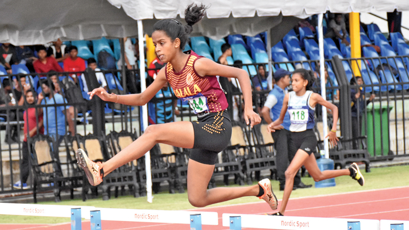 Sanduni Lakshani from Walala Ratnayake CC set up a new meet record in the girls U16 400m Hurdles.