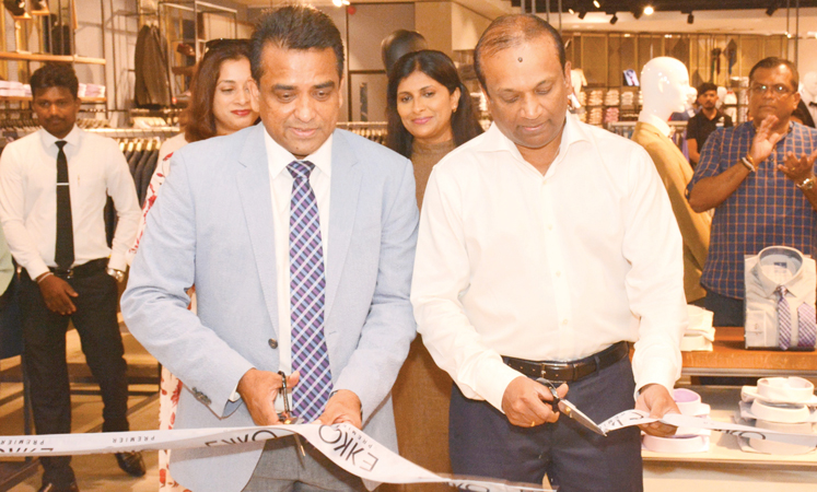 Ashok Pathirage, Chairman of ODEL PLC and its parent Softlogic Holdings  PLC with Lalantha Watudura, Founder and Creative Director of EKKO at the launch. Pictures by Sarath Peiris.