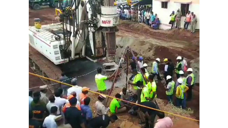 Efforts on to rescue 2-year-old Sujith Wilson stuck in borewell