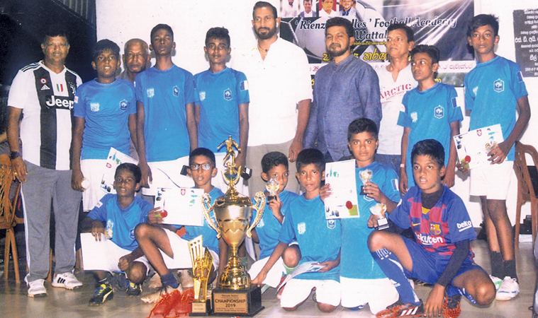 The Champion, Colombo European Team with Randeer Rodrigo (Former WPC Councillor), Shantha Fernando (Former Wattala Pradeshiya Sabha councillor Rienze Walles (Former National Football Player and K. Sribawan (tournament organizer). Picture by Joseph Pins – Wattala Special correspondent