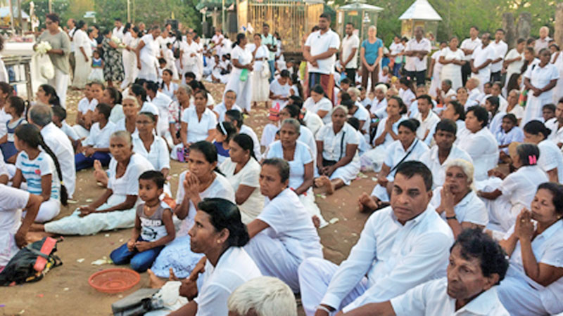 A large number of pilgrims gathered to Kataragama on the weekends.