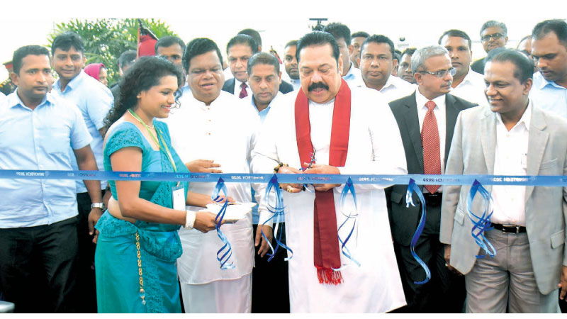 Prime Minister Mahinda Rajapaksa opening INNOTECH 2020, the National Technology and Innovation Exhibition in the presence of Information and Communication Technology, Higher Education, Technology and Innovations Minister Dr. Bandula Gunawardane and former State Minister of Technology and Innovations Thilanga Sumathipala. (Pictures by Gayan Pushpika)
