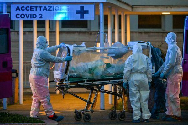 death toll reaches nearly 5000 in italy
