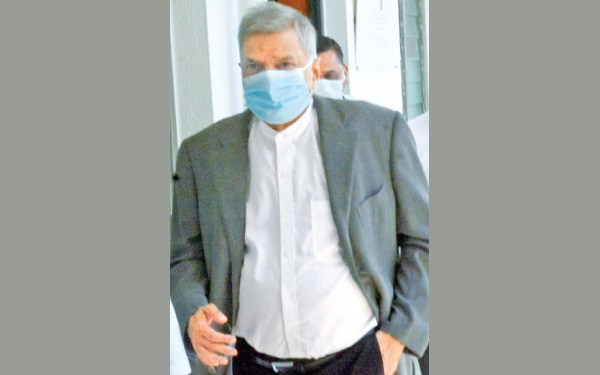 Former Prime Minister Ranil Wickremesinghe leaving the Police Unit of the Presidential Commission of Inquiry investigating into the Easter Sunday attacks.  Picture by Gayan Pushpika