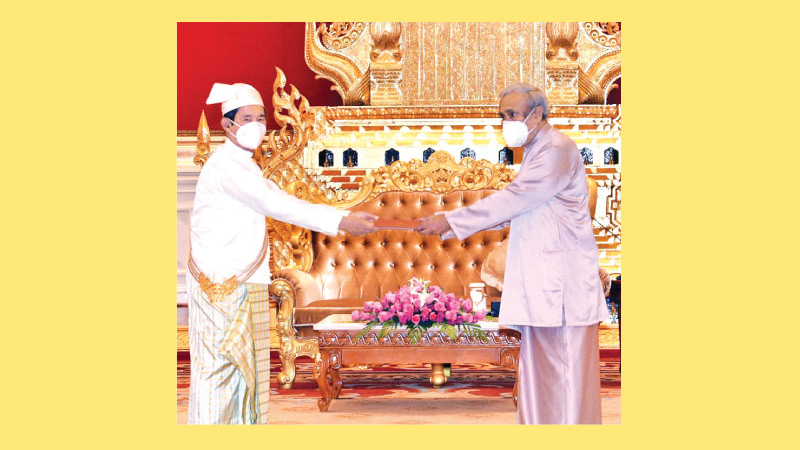 Sri Lanka's new Ambassador to Myanmar Dr. Nalin de Silva presenting Letter of Credence to President Win Myint of the Republic of the Union of Myanmar.
