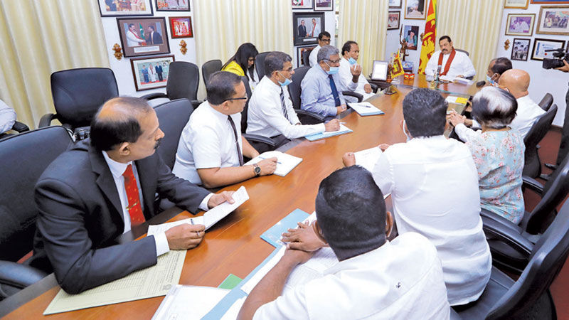 Prime Minister Mahinda Rajapaksa meeting representatives of the Bakery Owners' Association and Egg Producers' Association at his official residence at Wijerama Mawatha.  Picture courtesy Prime Minister's Media Division