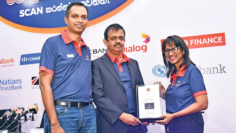 Padmanath Muthukumarana, Senior Manager –Mobile Financial Services, Dialog Axiata, D. Kumaratunge, Director – Payments and Settlements Department Central Bank and Renuka Fernando, Chief Digital Services Officer of Dialog Axiata