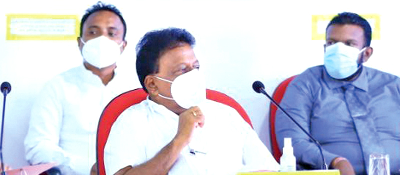 Minister Dullas Alahapperuma addressing the meeting.
